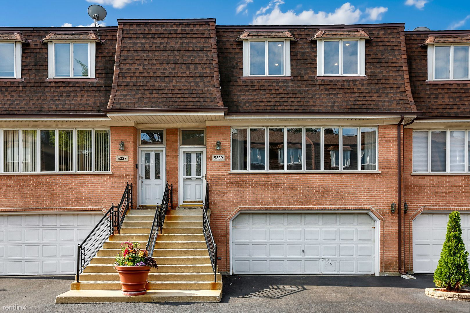Townhouse for Rent in Skokie