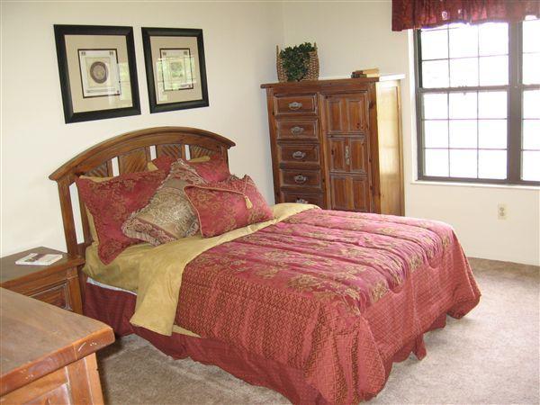 Master Bedroom (Augusta)