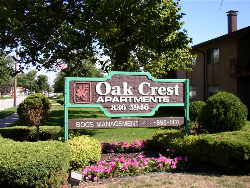 Oak Crest Apartments