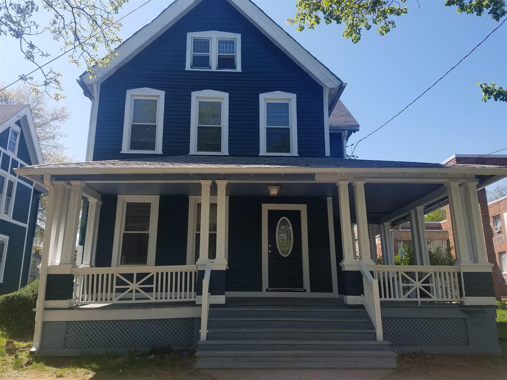 286 Norton St