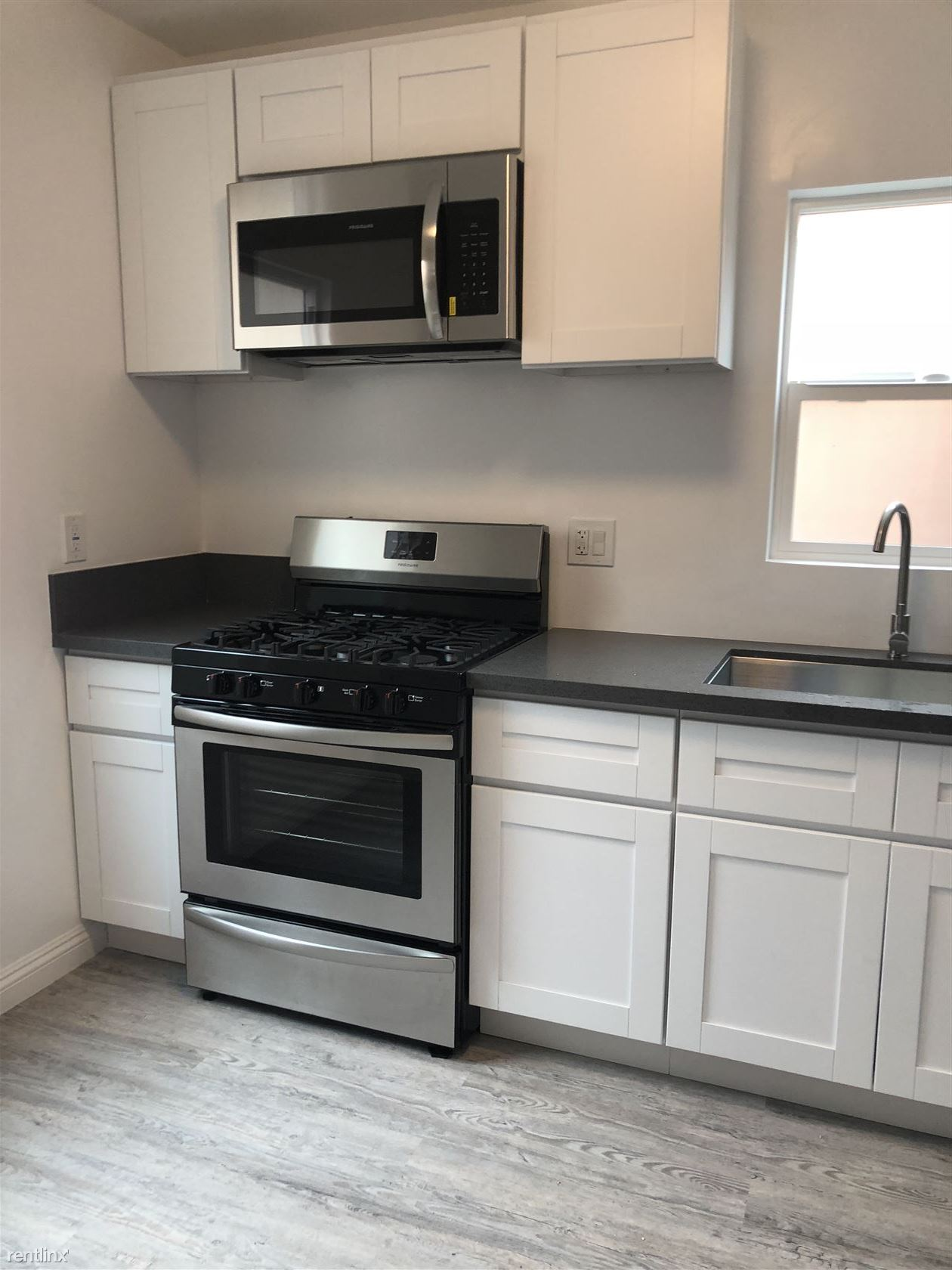 $1325 - $1395 per month , 2139 Pacific Ave,