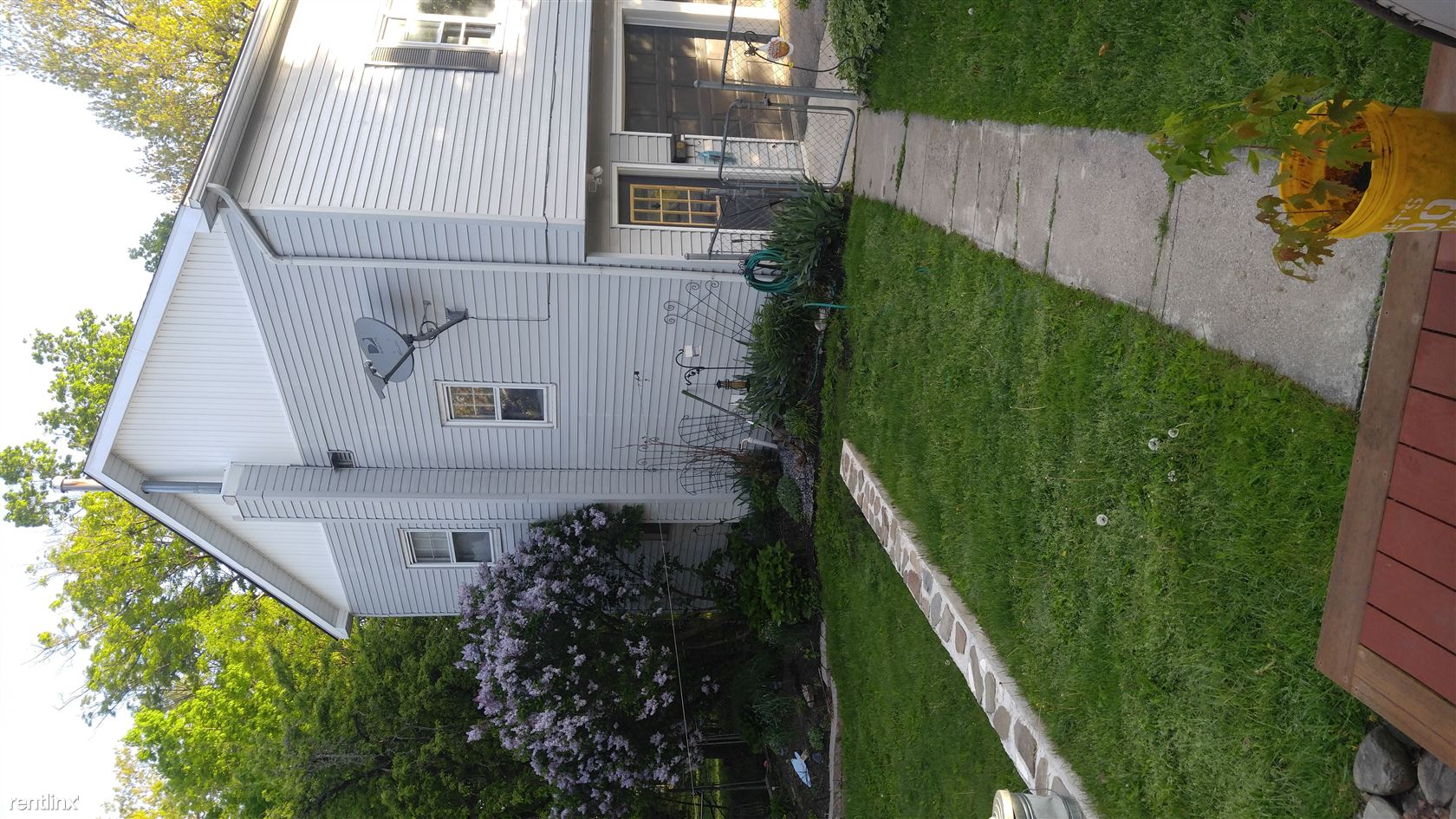 $1100 per month , 34 Woodward Dr,