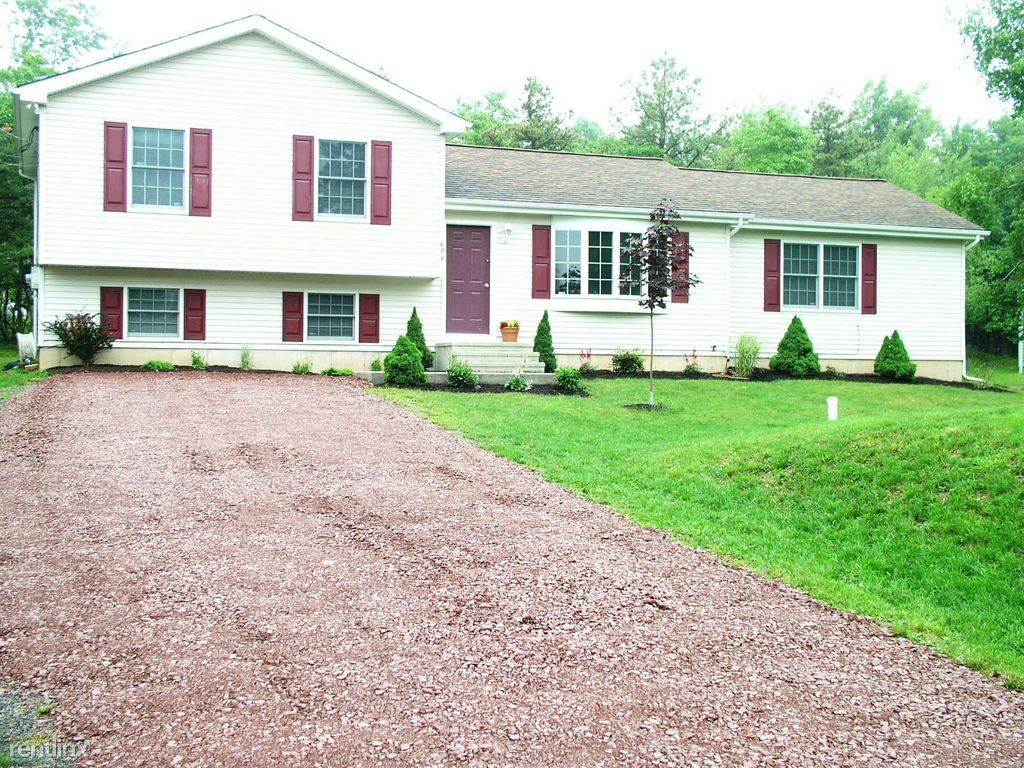 $1425 per month , Upper Notch Rd,