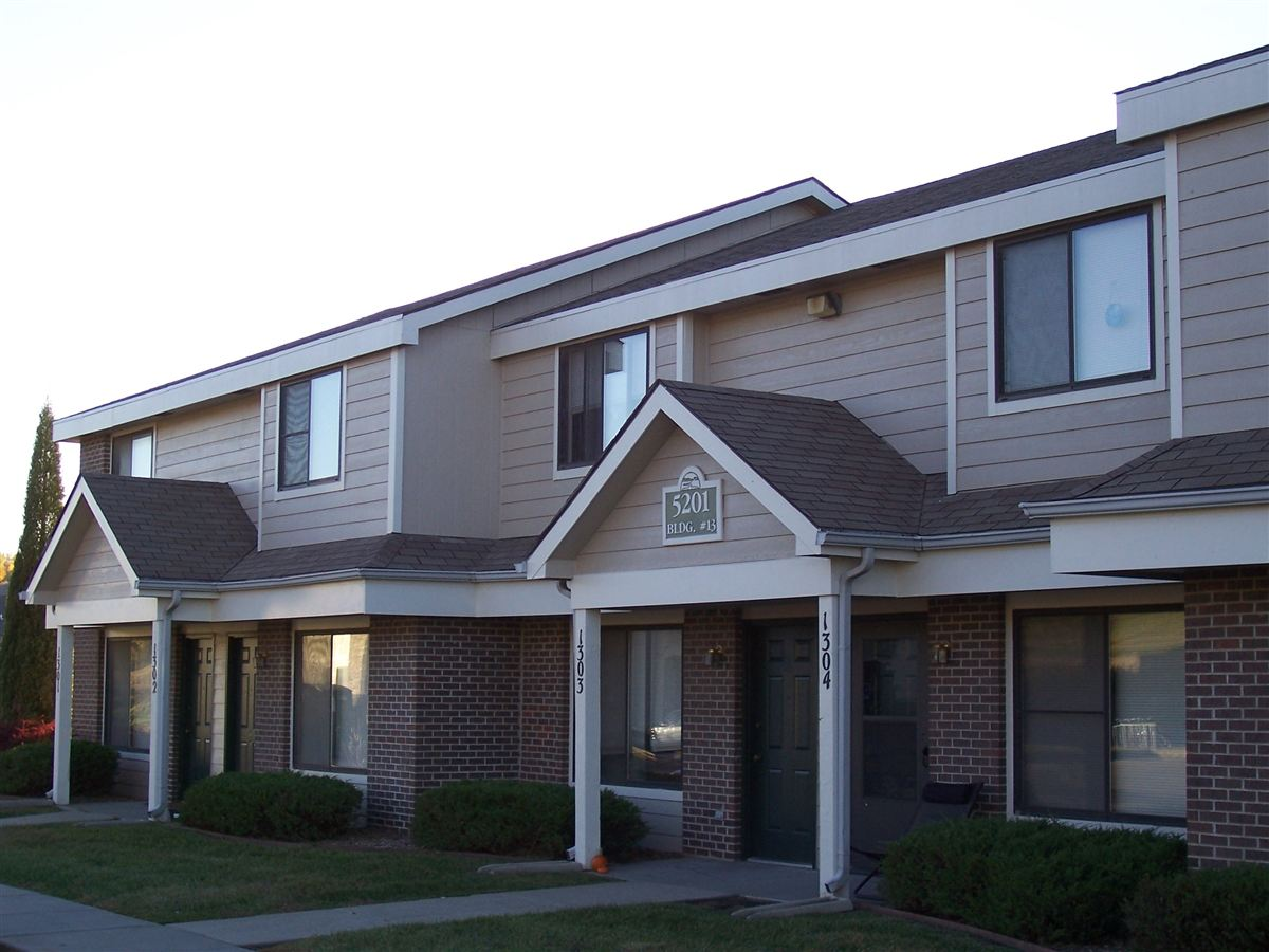 Exterior - Townhomes