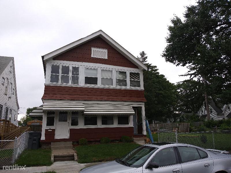 418 Bassett Street Lower