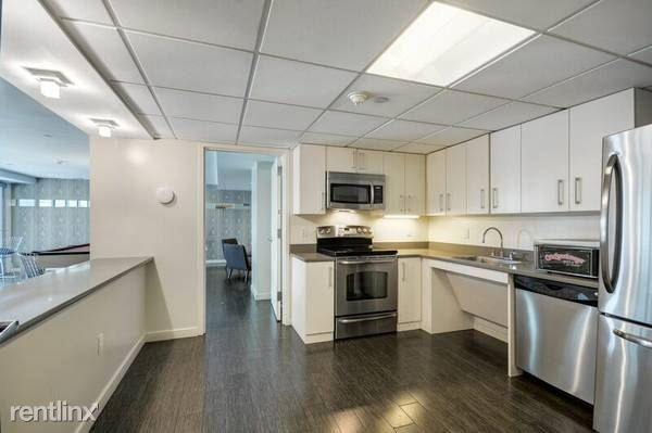 Gorgeous 1 Bedroom in Luxury Building - WD In Unit - Pet Friendly - Central AC - White Plains