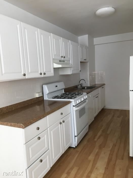 Renovated 1 Bedroom Apt. in Building - H/HW - Laundry on Site - White Plains