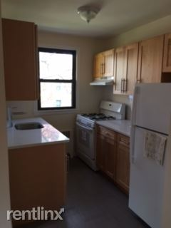 Newly Renovated 1 Bedroom in Lovely Quiet Court Yard Bldg- Laundry On Site / New Rochelle