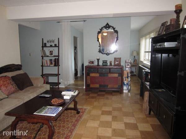 Spacious 1 Bedroom Apartment on 4th Floor - Parking / Harrison