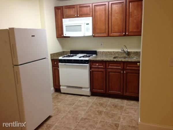 Beautiful 2 BR, 1 BA, Heat HW Included / Eastchester