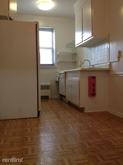 Bright 1 Bedroom Apartment - Laundry - H/HW/G / New Rochelle
