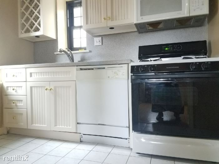 Renovated 2 Bedroom Apt - H/HW Included- Laundry On Site - Mamaroneck