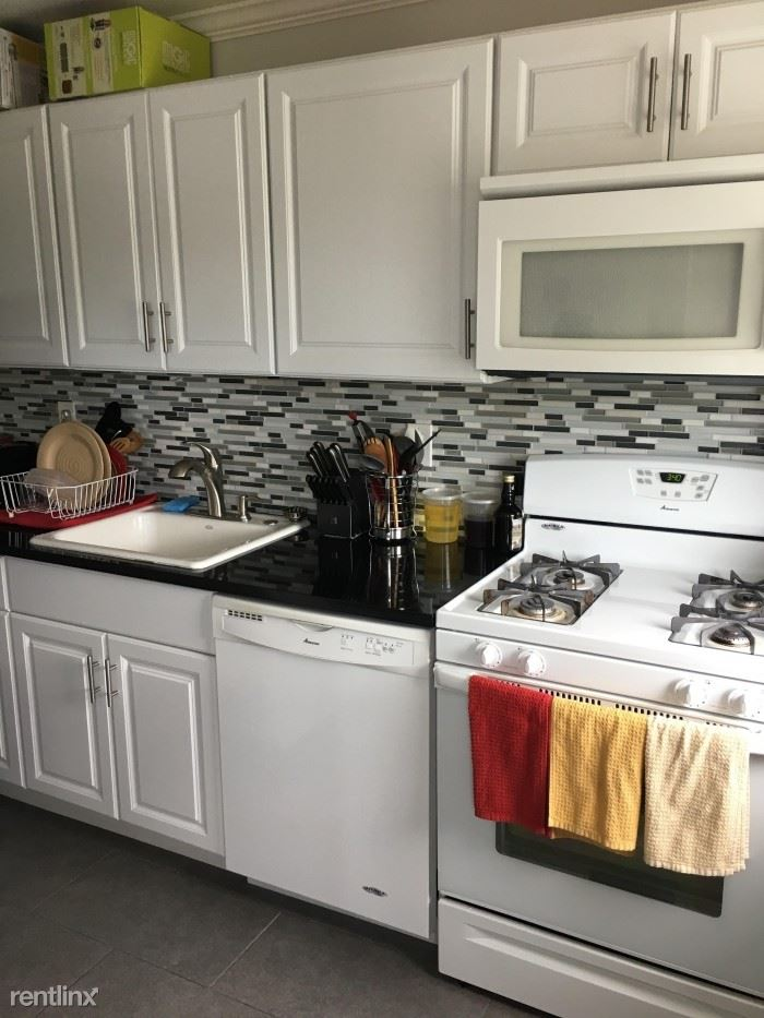 Updated 1 Bedroom Apartment - H/HW - Laundry - Parking - Located In Harrison