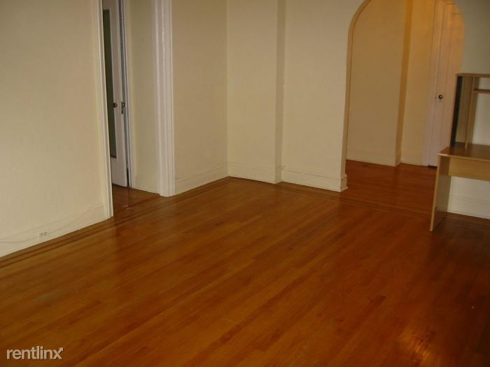 Nice Size 1 Bedroom Apartment Located in the Heart of Larchmont