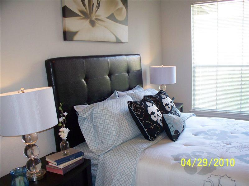 1 bedroom model (bedroom)