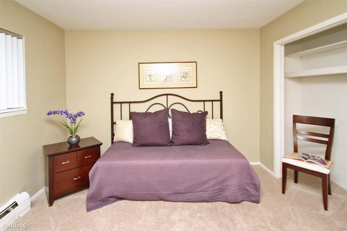 Roosevelt Guest Bedroom