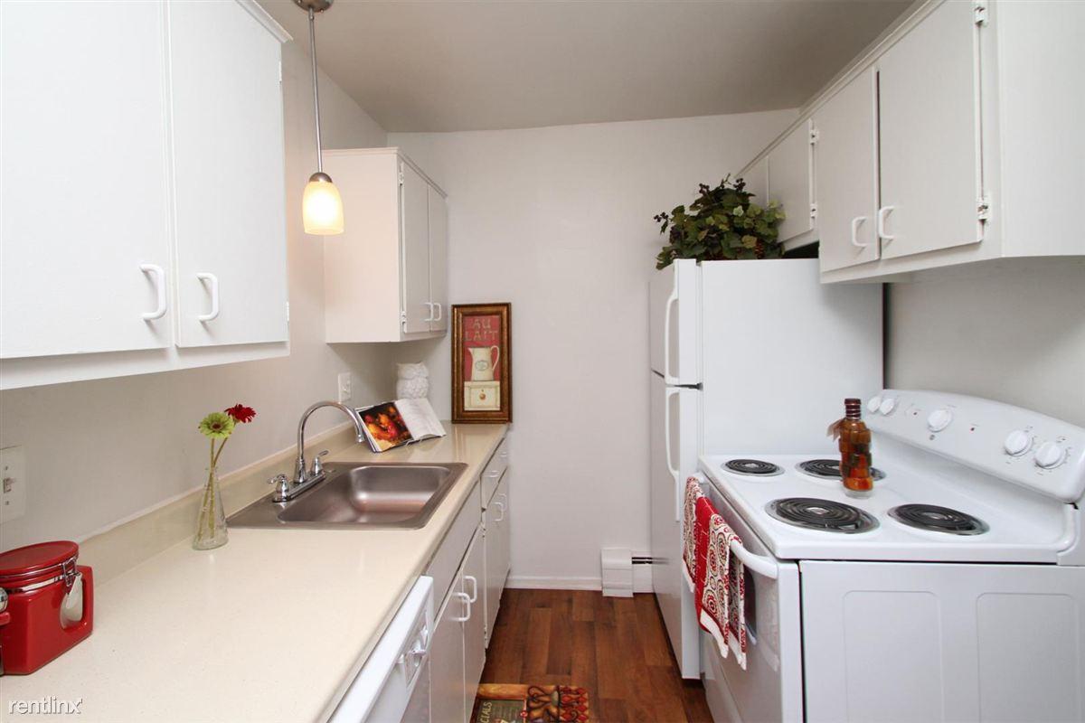 Roosevelt Kitchen Pt 2