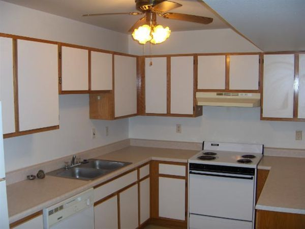 2 Bedroom Kitchen HPIM0690