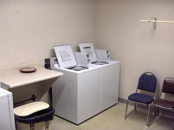 Laundry Room HPIM0714