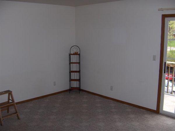 Living Room 3 BR HPIM0703