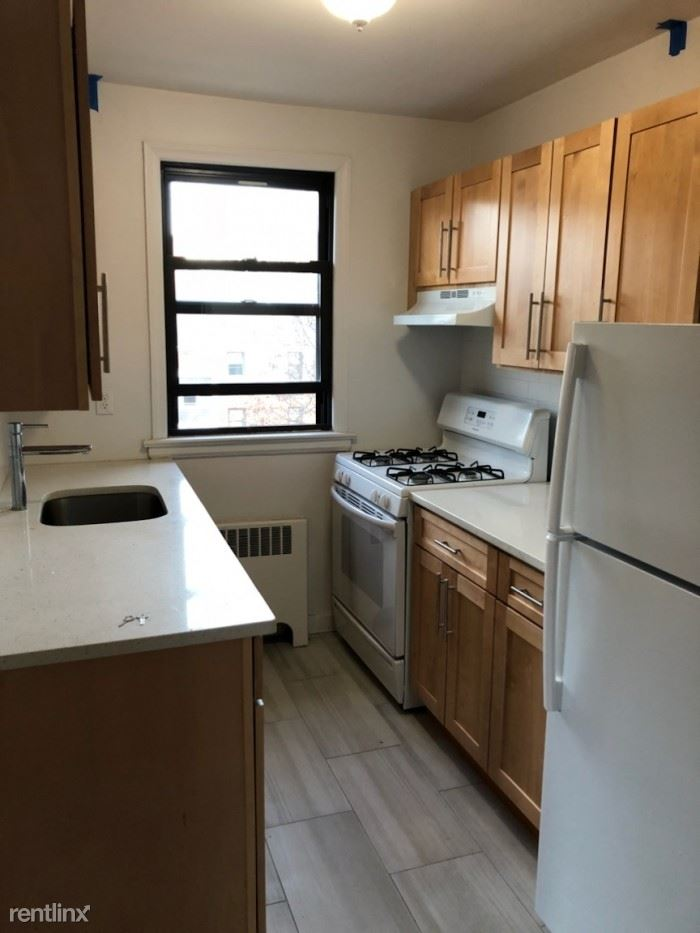 Newly Renovated 1 Bedroom Apartment in Rental Building - H/HW - New Rochelle