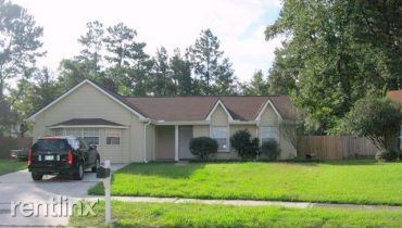 541 Forest Loop