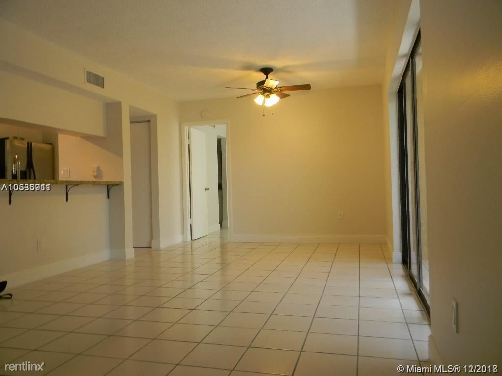 590 NW 114th Ave Apt 201