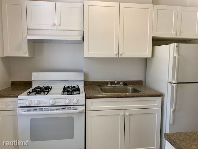 Bright 1 Bedroom Apt in Garden Style Complex - H/HW - Pets - Parking - North White Plains