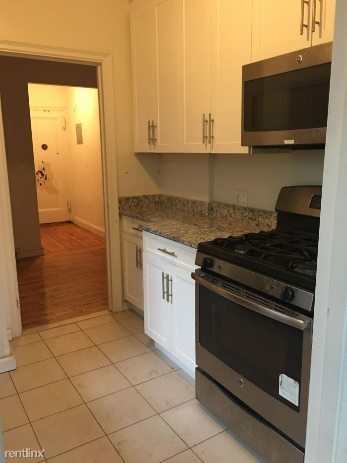 Sunny 2 Bedroom Apartment Located in the Fleetwood Area of Mount Vernon.