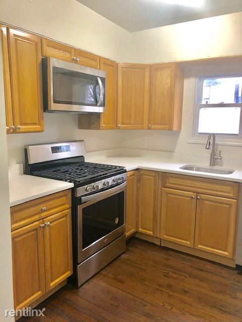 Renovated 2 Bedroom Apt with Den on 3rd Fl of Rental Building - Small Pets Welcome - Port Chester