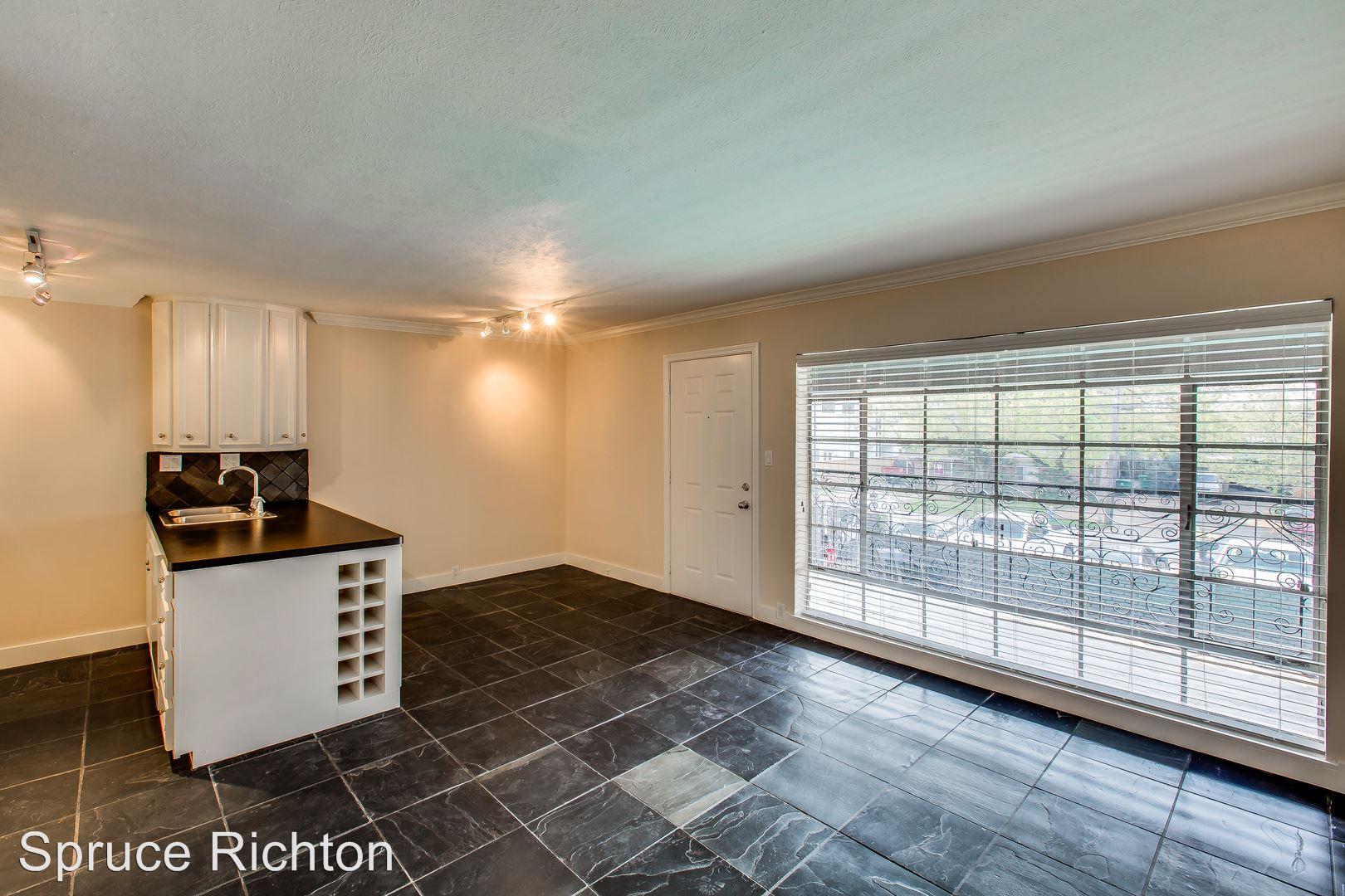 2322 Richton St