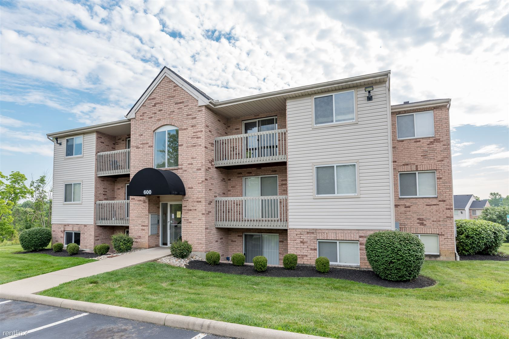 Deerfield Crossing Apartments
