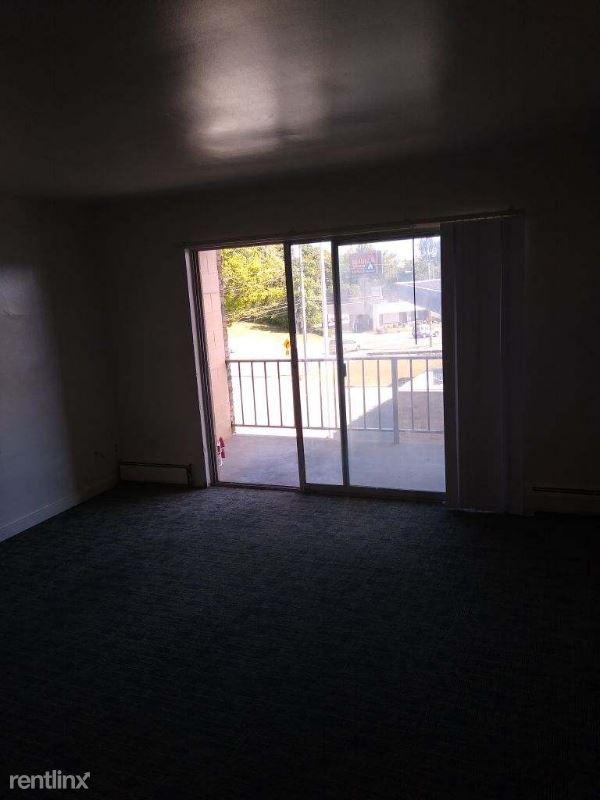 2505 Harrison Ave 10