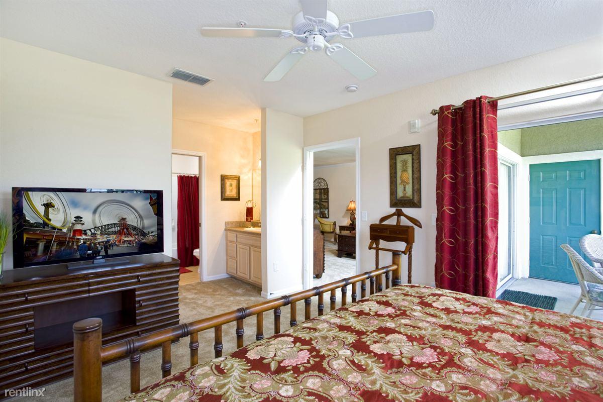Audubon Oaks Master Bedroom-Bathroom