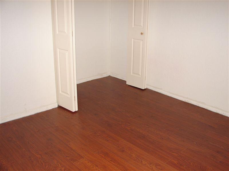 Laminated flooring 026