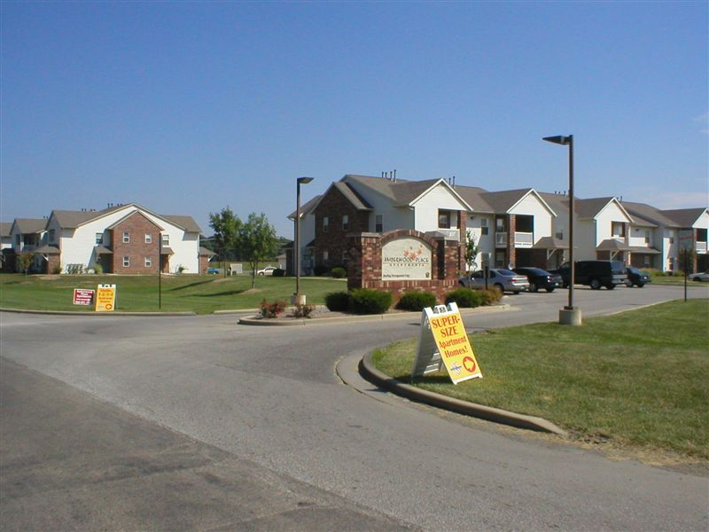 Amberwood Place Apartments