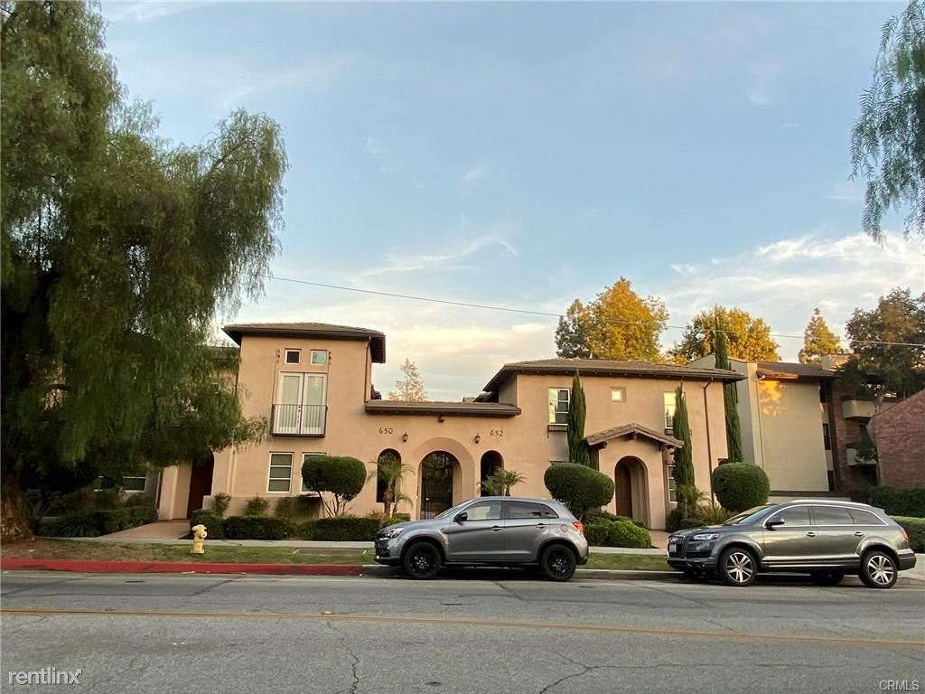 Townhome For Rent At 652 S Lake Ave Unit 10 Pasadena Ca 91106