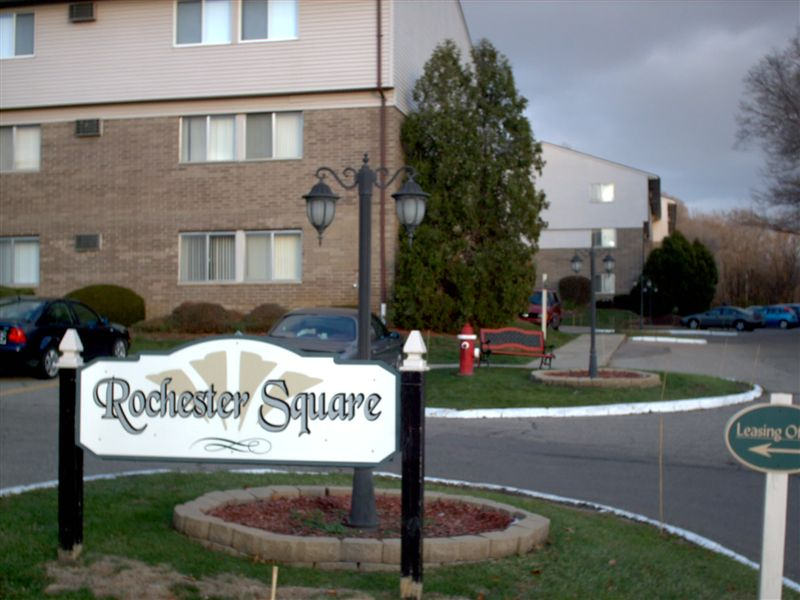 Rochester Square Apartments
