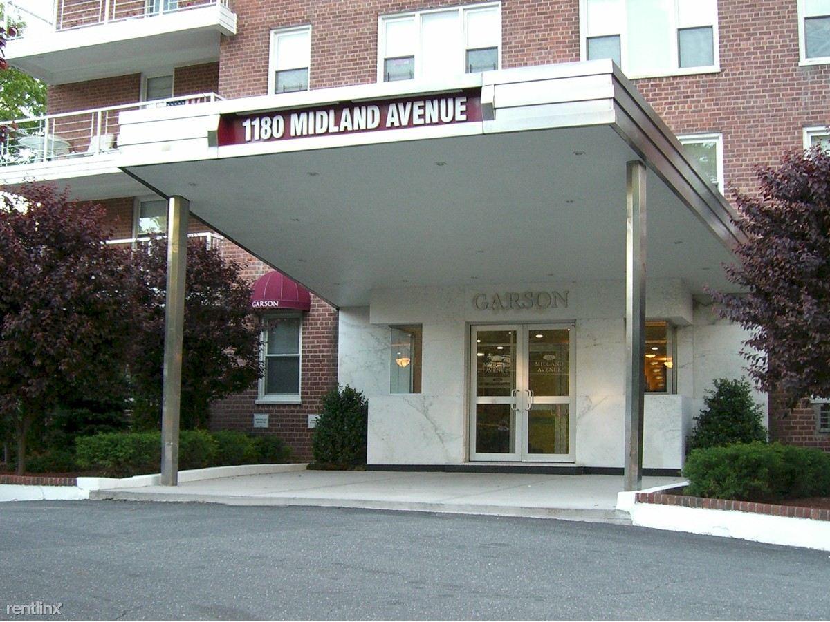 1180 Midland Ave
