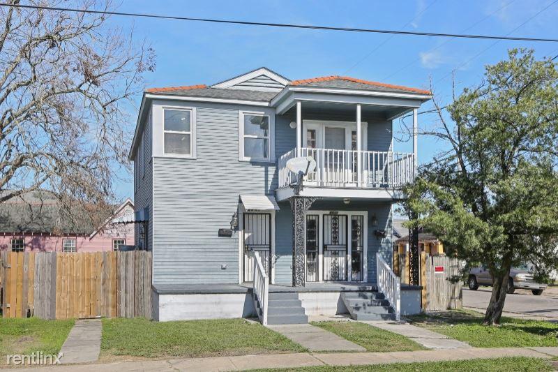 4035 N Robertson St