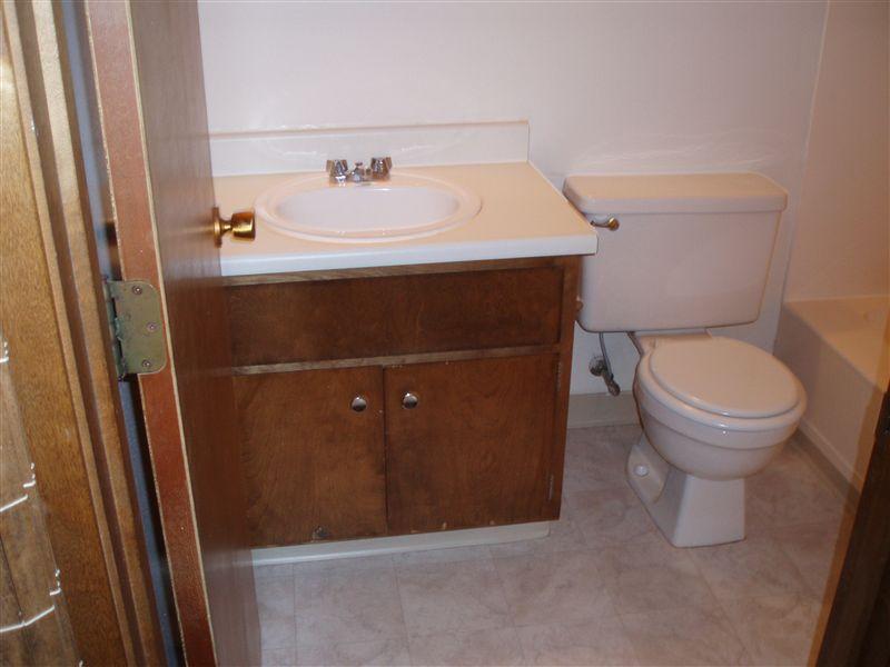 UH SV bathroom