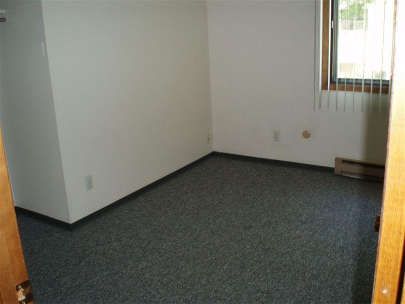 UH SV bedroom 2, 3