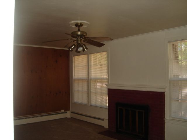 1320 Winters Dr #1B Living Room