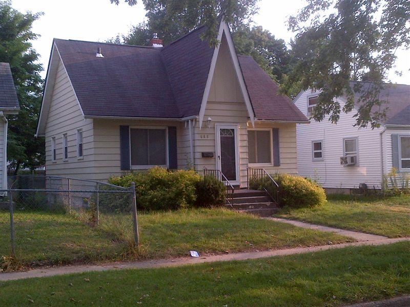 688 E Mansfield Ave