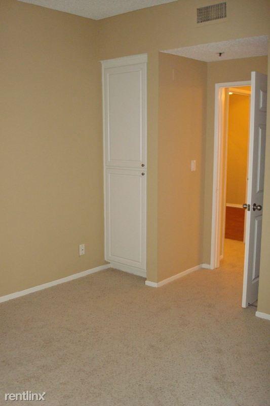 Bedroom Linen Closets