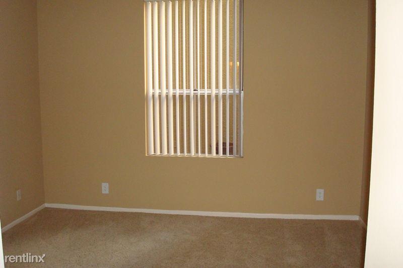 Beroom Window I