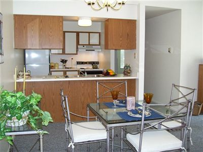 2 Bedroom Apartment Living & Dinning Rm