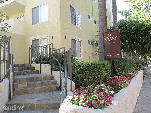 330 N Screenland Dr, Burbank, CA