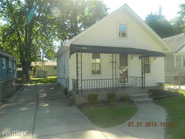 2824 Ardmore Ave, Royal Oak, MI