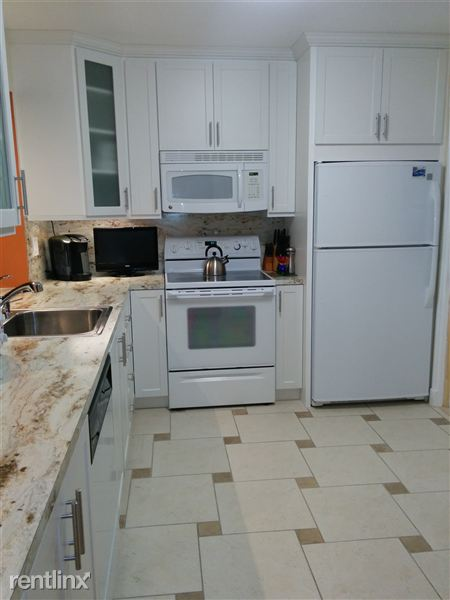 609 NE 14th Ave Apt 301, Hallandale Beach, FL